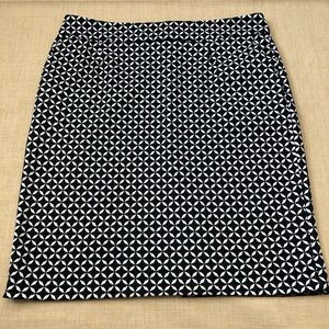 Adrienne Vittadini Black & White Short Skirt